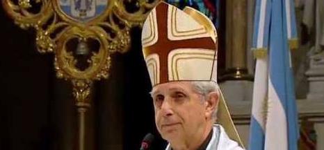 La Iglesia atrasa 100años
